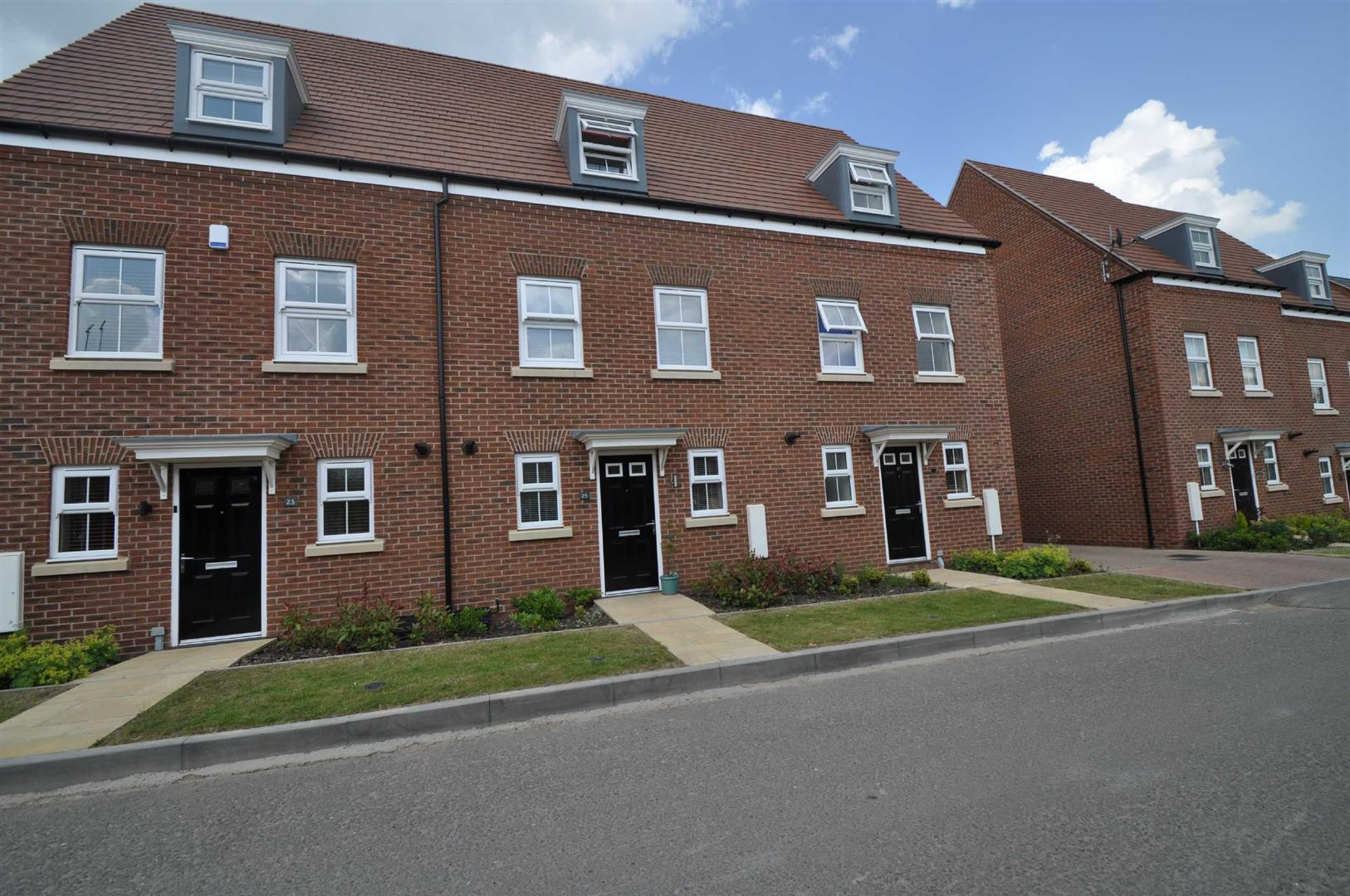 3 Bedrooms Terraced House for rent in Lawley Way, Droitwich Spa